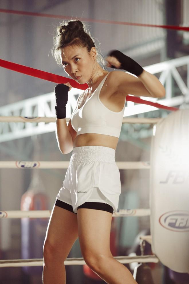 Mỹ Tâm gây bất ngờ khi hóa thân thành võ sĩ boxing mạnh mẽ - Ảnh 3.