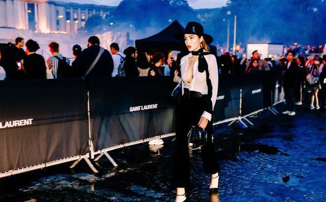 Hoa hậu Kỳ Duyên cực gợi cảm khi xuất hiện tại Pháp