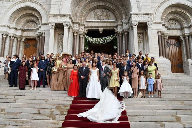 Mối tình gần một thập kỷ và lễ cưới trong mơ của cô gái Việt làm dâu Hoàng gia Monaco - Ảnh 24.
