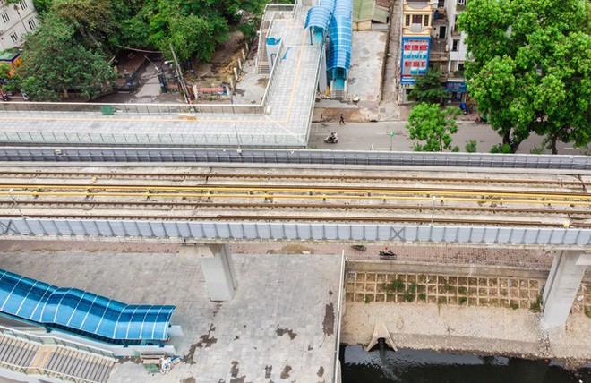 Cận cảnh đường sắt Cát Linh-Hà Đông tiến độ kiểu rùa bò hơn thập kỷ - Ảnh 8.