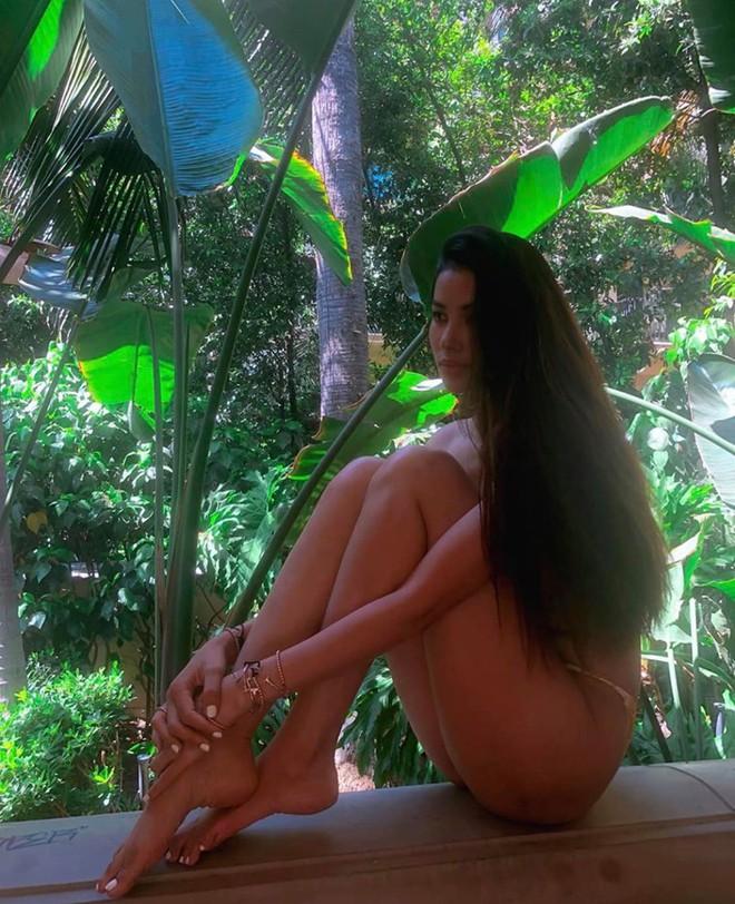 Loạt ảnh gợi cảm của hoa hậu Phạm Hương sau 1 năm sang Mỹ sinh sống - Ảnh 5.