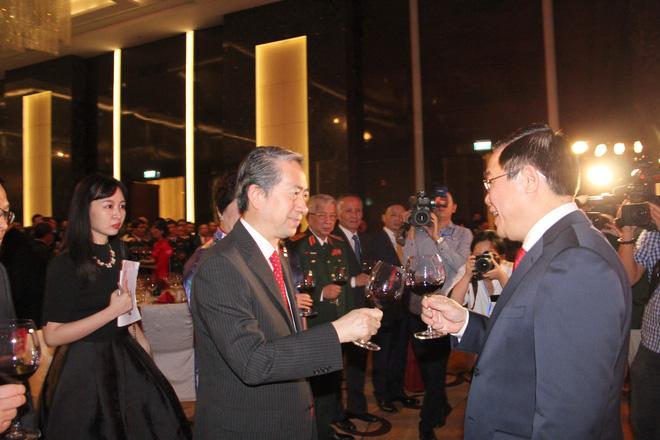 Phó Thủ tướng Vương Đình Huệ dự kỷ niệm 70 năm Quốc khánh Trung Quốc - Ảnh 2.