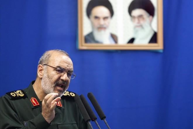 Tướng Iran dọa đưa Mỹ xuống địa ngục, đe Israel không đủ mồ chôn xác chết: Họ là ai? - ảnh 2