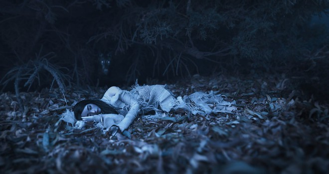 Tối ngủ tại nhà mà sáng thức dậy trên núi hoang, cô gái hoảng sợ chạy về và kể lại câu chuyện khiến ai cũng rùng mình - Ảnh 1.