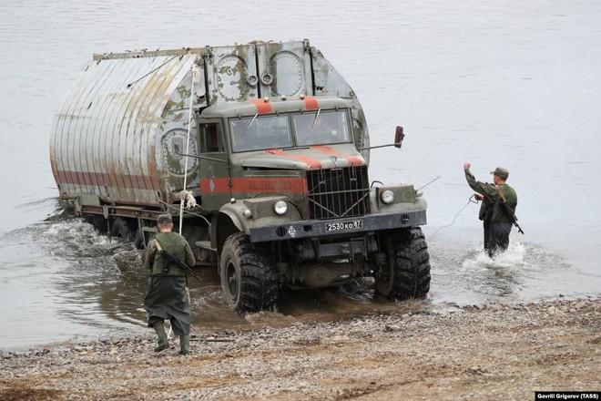 Cận cảnh màn dương oai diễu võ của Nga và đồng minh khiến NATO ớn lạnh - Ảnh 10.