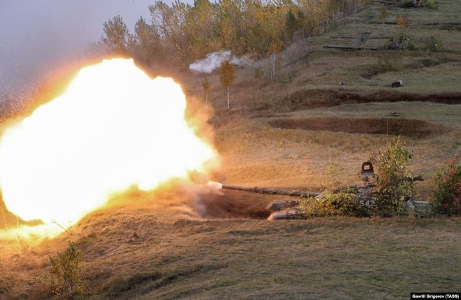Cận cảnh màn dương oai diễu võ của Nga và đồng minh khiến NATO ớn lạnh - Ảnh 15.