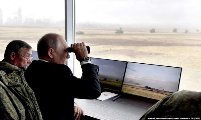 Cận cảnh màn dương oai diễu võ của Nga và đồng minh khiến NATO ớn lạnh - Ảnh 16.