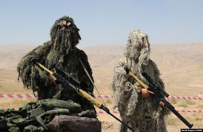 Cận cảnh màn dương oai diễu võ của Nga và đồng minh khiến NATO ớn lạnh - Ảnh 3.