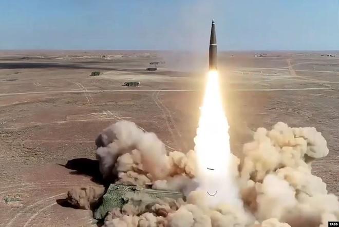 Cận cảnh màn dương oai diễu võ của Nga và đồng minh khiến NATO ớn lạnh - Ảnh 5.