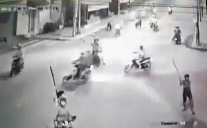Dân phòng mưu trí tránh né vụ giang hồ truy sát bằng dao ở Đồng Nai