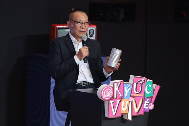 Lại Văn Sâm gặp sự cố, NSND Hồng Vân nói: Không một MC lão làng nào lại sai lầm nghiêm trọng như Lại Văn Sâm - Ảnh 1.