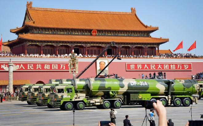 """Không chỉ cấm xe, cấm xây, cấm khai thác: Bắc Kinh """"cầu mưa"""" ngay sát Quốc khánh vì một lý do"""