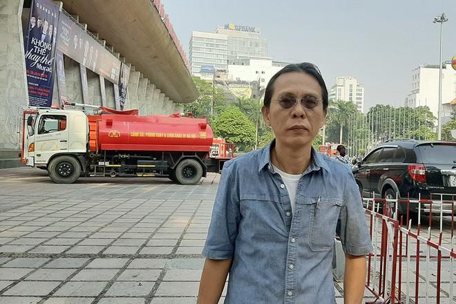 Vụ cháy Cung Việt Xô, NS Nguyễn Quang xót xa: Có người nói, mất mấy chục triệu làm gì mà ghê, có gì mà phải chia sẻ - Ảnh 1.