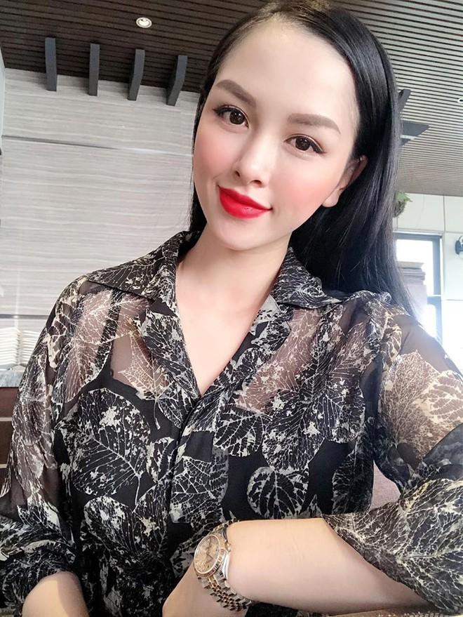 Trang Pilla - chị dâu Bảo Thy bất ngờ đăng ảnh mặc nội y táo bạo, khiến dân tình choáng váng quên mất đây là bà mẹ 2 con - Ảnh 2.