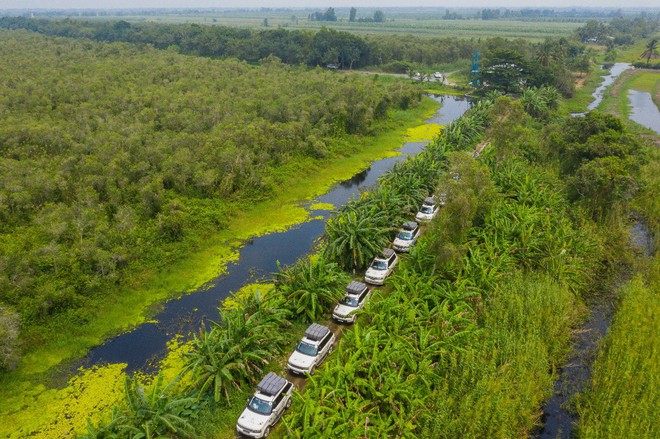 Hành trình trao sách quý nơi kênh rạch chằng chịt Đồng bằng Sông Cửu Long - Ảnh 16.
