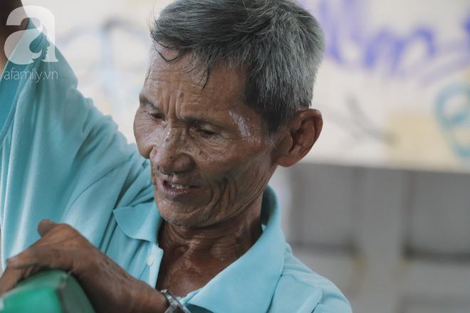 Chuyện người con trai 76 tuổi đạp xích lô nuôi mẹ già: Tiền dùng hết rồi có thể kiếm lại, chứ mẹ mình chỉ có một mà thôi - Ảnh 5.
