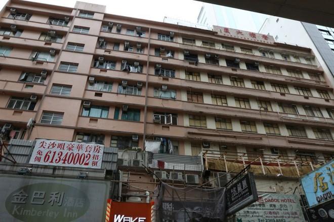Bên trong Tòa nhà Kim Tiêu hắc ám nhất Hong Kong: Từng là ổ chứa mại dâm, xã hội đen với tội ác ít ai dám nhắc đến - Ảnh 6.