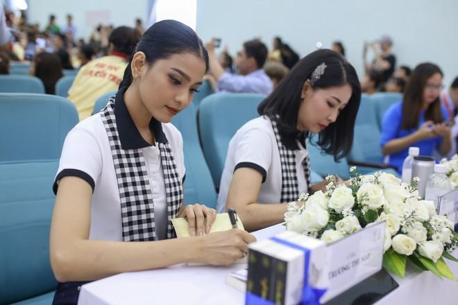 Hoa hậu Hà Kiều Anh: Điều quý giá nhất trên đời là tri thức - Ảnh 7.