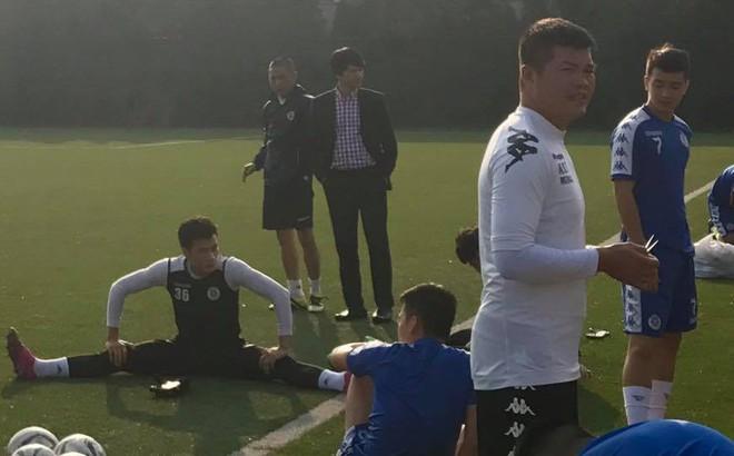 Đại sứ Việt Nam tại Triều Tiên làm điều chưa từng có cho trận đấu lịch sử của Hà Nội FC