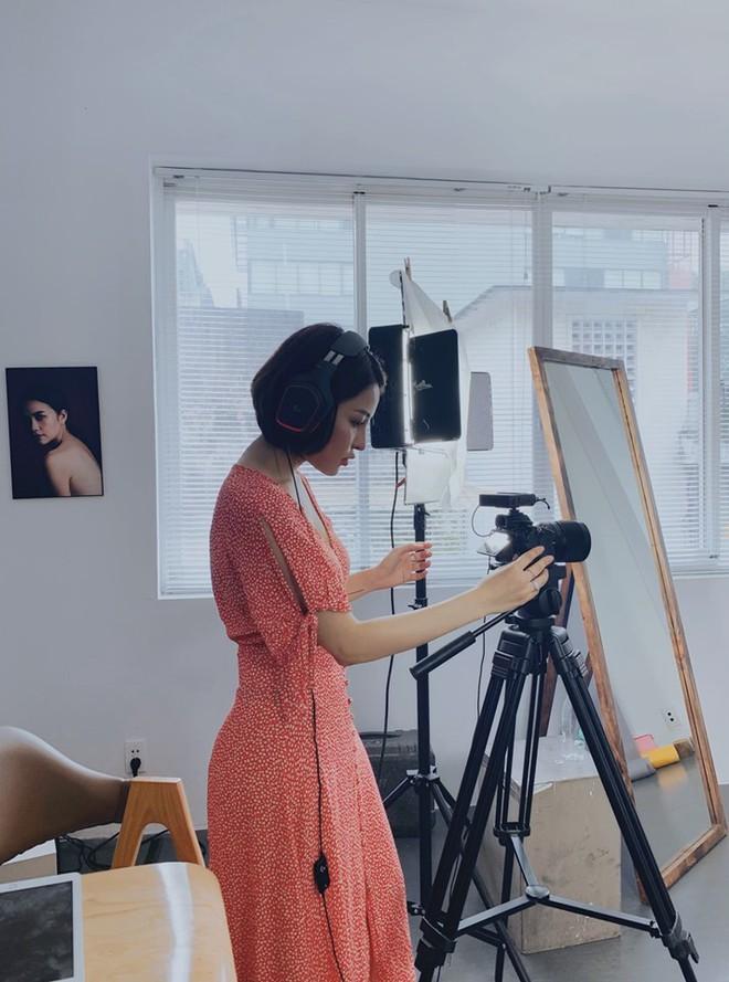 Sau scandal lộ clip nhạy cảm, hot girl Trâm Anh lần đầu tung ra bộ ảnh trưởng thành và gợi cảm - Ảnh 3.