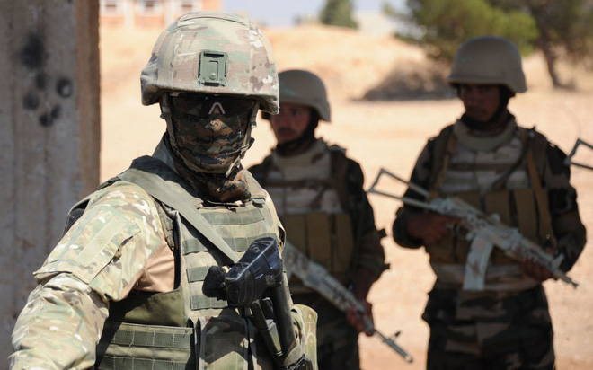 Sư đoàn cơ giới số 4 Quân đội Syria thần tốc lột xác: Có bàn tay... Nga! - Ảnh 1.