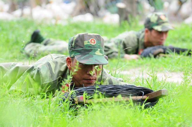 Chiến trường K: Tiếng hú chim thiêng báo động đặc công Khmer Đỏ mò vào - Rợn người - Ảnh 2.