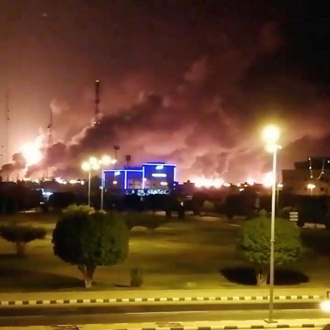 Houthi đánh sập Saudi, chứng minh đẳng cấp chiến tranh thế kỷ 21: Đừng đốt nhà hàng xóm! - Ảnh 2.