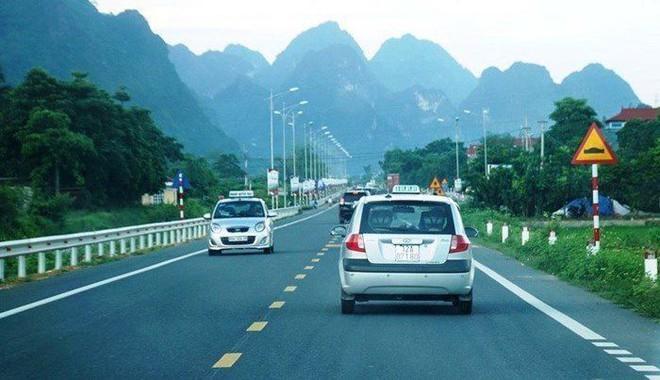 Cận cảnh 64km cao tốc Bắc Giang - Lạng Sơn trong ngày thông xe  - Ảnh 8.