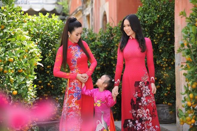 Nhan sắc khả ái của con gái Á hậu Trịnh Kim Chi: Lột xác từ cô bé mũm mĩm da ngăm thành thiếu nữ 17 tuổi cao 1m72 - Ảnh 12.