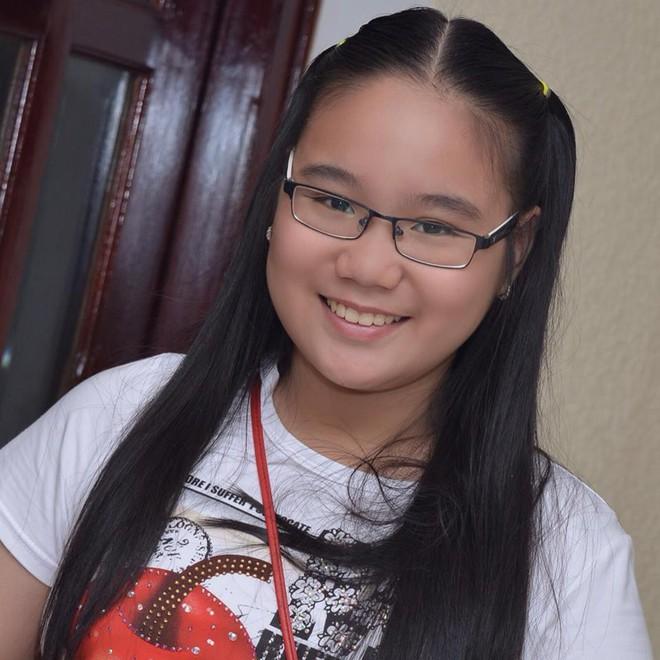 Nhan sắc khả ái của con gái Á hậu Trịnh Kim Chi: Lột xác từ cô bé mũm mĩm da ngăm thành thiếu nữ 17 tuổi cao 1m72 - Ảnh 3.