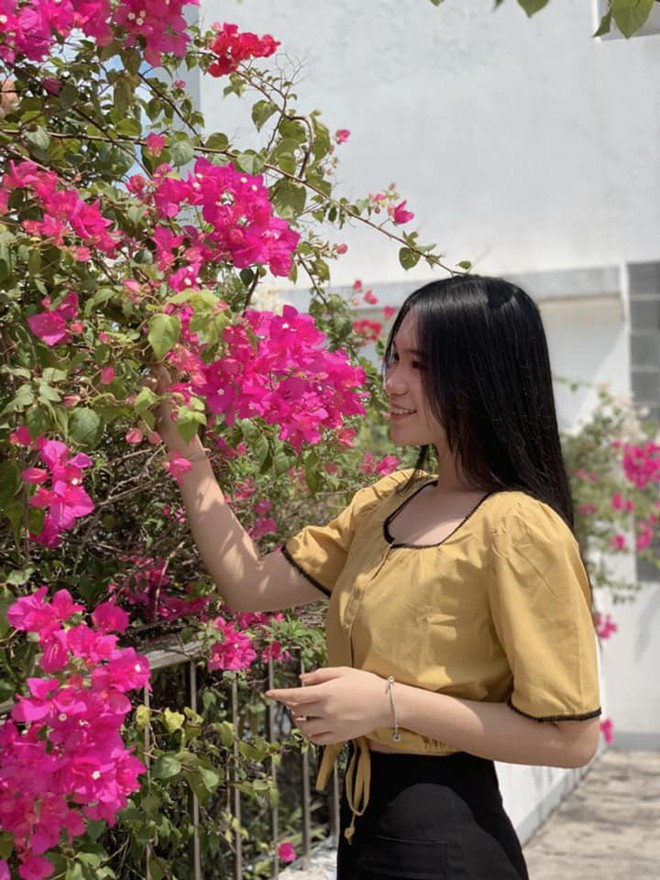 Nhan sắc khả ái của con gái Á hậu Trịnh Kim Chi: Lột xác từ cô bé mũm mĩm da ngăm thành thiếu nữ 17 tuổi cao 1m72 - Ảnh 26.