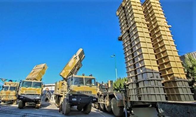 Tên lửa Bavar-373 Iran: Vượt mặt S-300, ngang cơ S-400 và sẽ bắn tan xác F-22, F-35 Mỹ? - Ảnh 2.