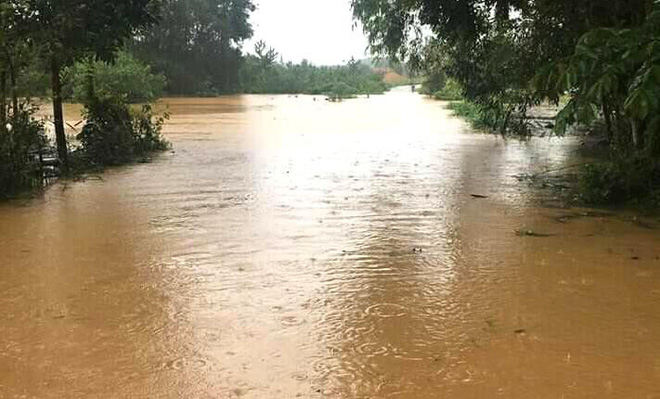 Hà Tĩnh: Thủy điện xả lũ kết hợp mưa lớn khiến hàng loạt xã, huyện bị ngập nặng - Ảnh 3.