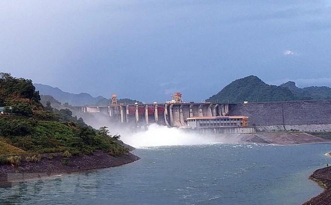 Hồ thủy điện A Lưới bắt đầu xả lũ từ 16 giờ ngày 3/9