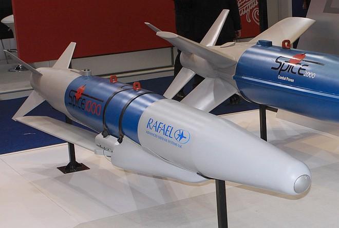 Ấn Độ chuẩn bị nhận siêu bom từ Israel, Pakistan và Trung Quốc liệu có lo sợ? - Ảnh 1.