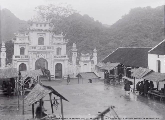 Nhìn lại những hình ảnh hiếm hoi về Chùa Hương năm 1927 - Ảnh 6.