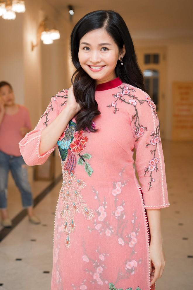 Nhan sắc xinh đẹp, không tuổi của vợ ông trùm phim truyền hình Đỗ Thanh Hải - Ảnh 7.