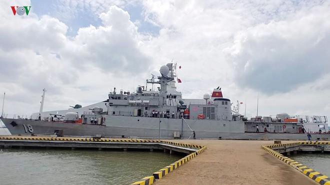 Tinh hoa vũ khí Việt: Tàu hộ vệ săn ngầm 18 từ Hàn Quốc của Việt Nam thực hiện nhiệm vụ quốc tế quan trọng - Ảnh 1.
