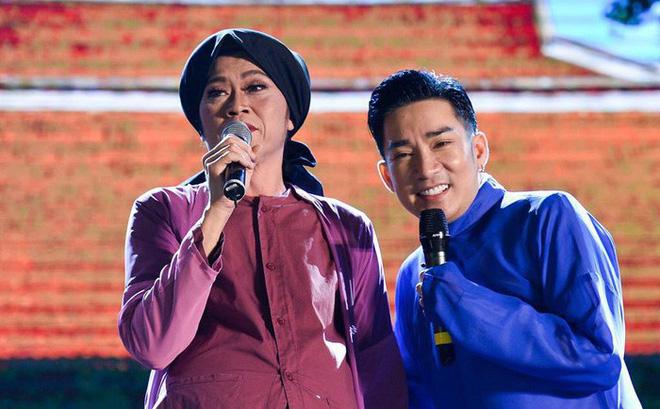 Chân dung 2 nghệ sĩ nổi tiếng chỉ cần hú là Hoài Linh có mặt, không cần mời - Ảnh 2.