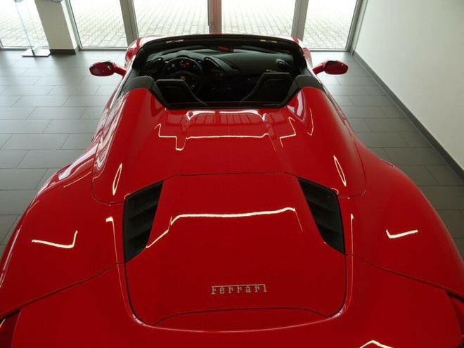 Ferrari 488 Spider màu đỏ hơn 20 tỷ đồng ở Hà Nội - Ảnh 4.