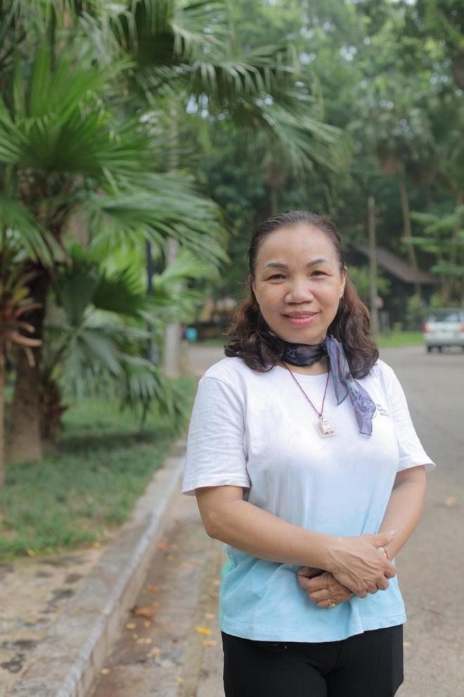 Đối diện với ung thư bằng hành trình đi bộ và cuộc sống đầy ắp nụ cười - Ảnh 1.