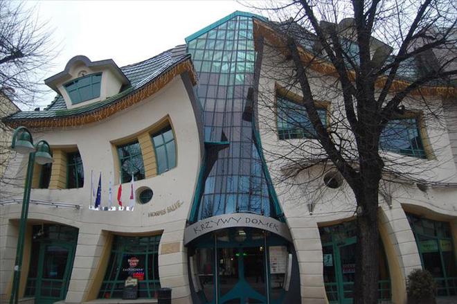 Ngắm những kiến trúc độc đáo, thậm chí là kì dị tại một số nước - Ảnh 16.