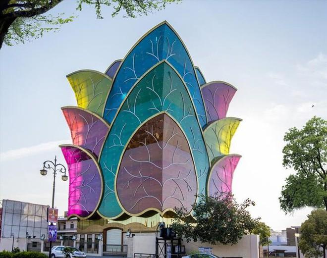 Ngắm những kiến trúc độc đáo, thậm chí là kì dị tại một số nước - Ảnh 21.