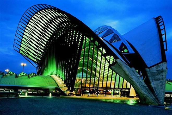 Ngắm những kiến trúc độc đáo, thậm chí là kì dị tại một số nước - Ảnh 6.