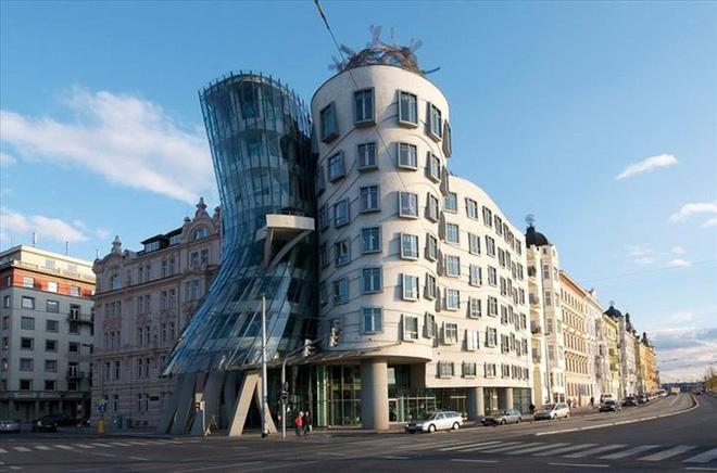 Ngắm những kiến trúc độc đáo, thậm chí là kì dị tại một số nước - Ảnh 8.