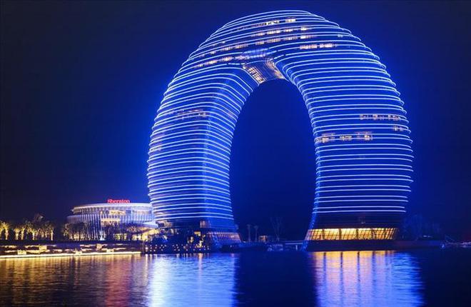 Ngắm những kiến trúc độc đáo, thậm chí là kì dị tại một số nước - Ảnh 9.