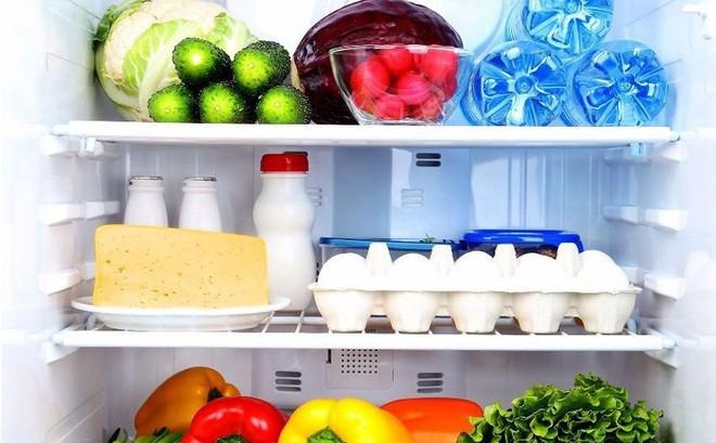 Vì sao gia đình chuyên gia dinh dưỡng nổi tiếng phải dùng tới 2 chiếc tủ lạnh?