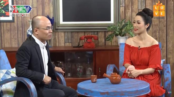 Á hậu Trịnh Kim Chi: 9 năm yêu Quyền Linh, có quá nhiều biến cố xảy ra khiến chúng tôi chia tay - Ảnh 1.