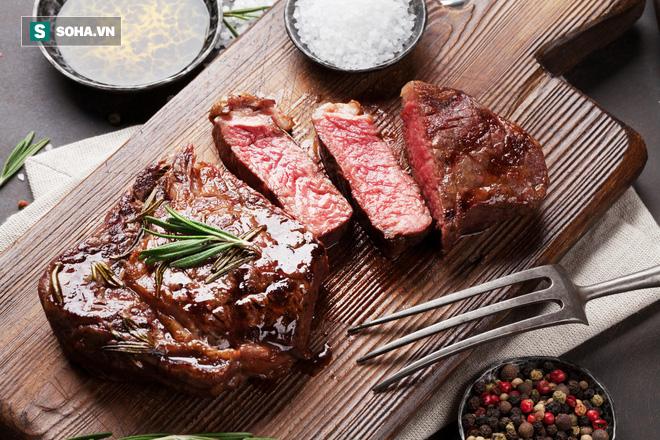 Nguy cơ mắc ung thư khi ăn thịt trắng và thịt đỏ rất khác nhau: Hãy lựa chọn cách ăn đúng - Ảnh 1.