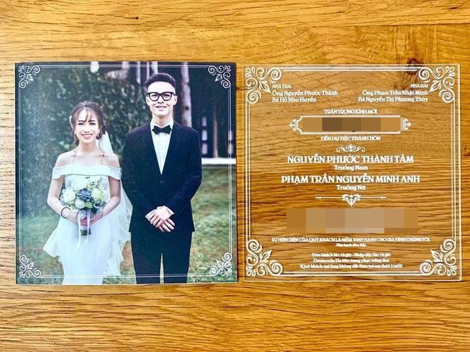 Hé lộ thiệp cưới thiết kế độc đáo và loạt quy định khắt khe trong đám cưới của con gái đại gia Minh Nhựa - Ảnh 1.